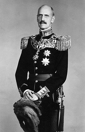 H. M. Kong Haakon 7.